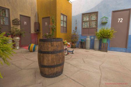 Convierten Vecindad del Chavo del 8 en alojamiento por una noche