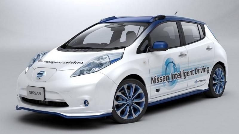 nissan autonomus drive 2 800x450 Nissan prueba vehículo inteligente que reconoce peatones