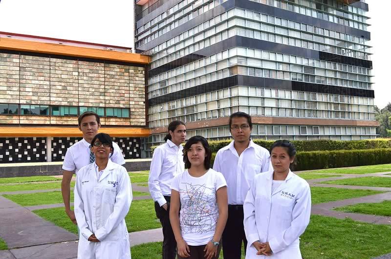 Premian a mexicanos por innovador dispositivo que mide azúcar en el cuerpo - proinsulitron-estudiantes-unam