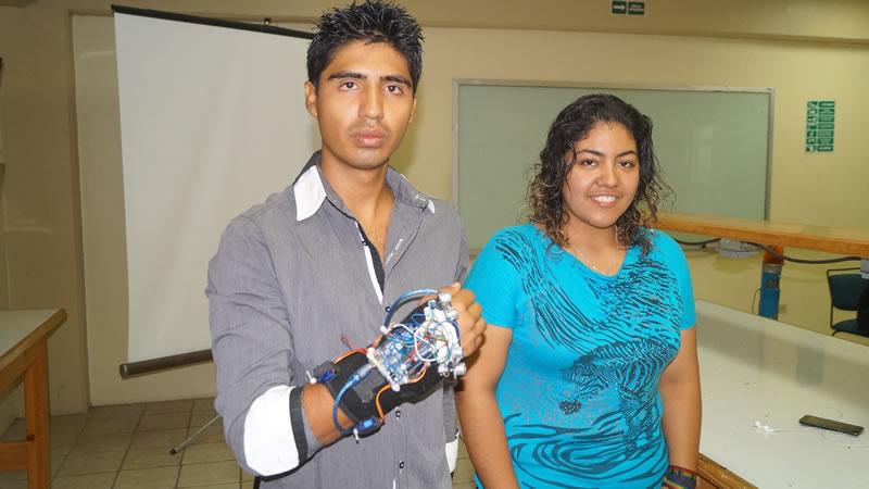 Estudiantes diseñan prototipo de guante ultrasónico para débiles visuales - prototipo-de-guante-ultrasonico-para-debiles-visuales