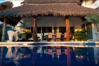 Gwyneth Paltrow viaja a Punta Mita, México y se hospeda en una Villa de Airbnb - villa-casa-norma-riviera-nayarit