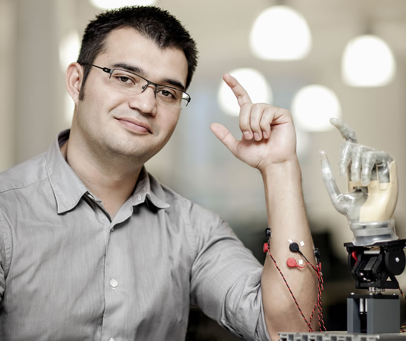 maxi ortiz protesis con conexion al hueso Mexicano diseña primera prótesis con conexión directa a hueso, nervios y músculos