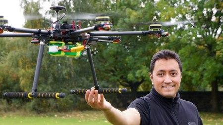 Mexicano en Escocia programa drones para que vuelen con carga