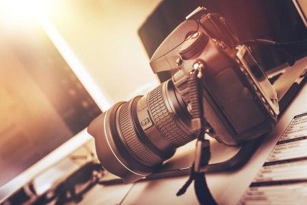 ¿Qué debe tener mi primera cámara fotográfica?