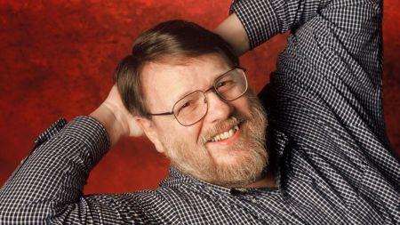 Ray Tomlinson, inventor del email, fallece a los 74 años.