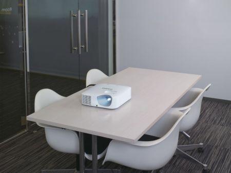 Casio lanza en México su nueva línea de proyectores LampFree