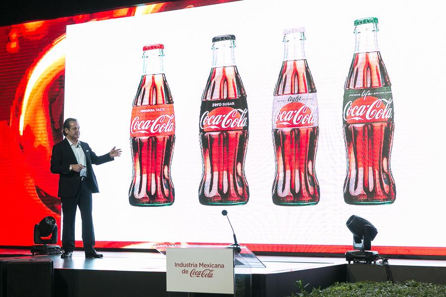 Coca-Cola anuncia la nueva estrategia global: Marca Única - coca-cola-siente-el-sabor-marcos-de-quinto-presenta-nuevos-empaques