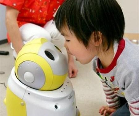 PaPeRo, un robot diseñado para niños