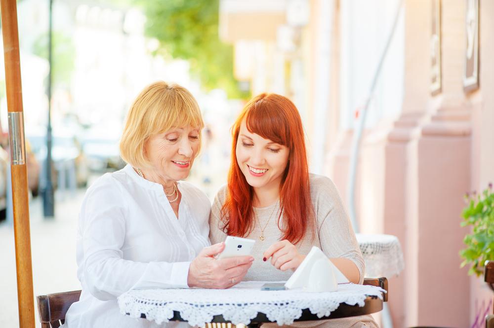 Cómo proteger a tu mamá mientras navega por internet - como-proteger-a-tu-mama-mientras-navega-por-internet