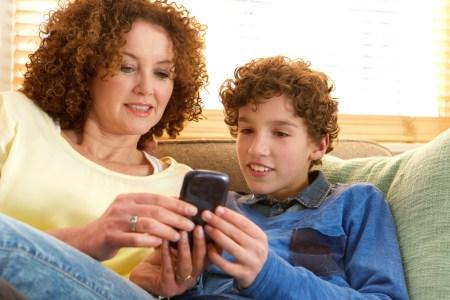 Diccionario de términos de las redes sociales para Mamá ¡Tienes que mostrárselo!