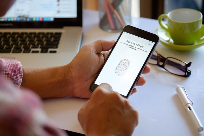 Recomendaciones de seguridad para padres tecnológicos - padres-tecnologicos-800x534