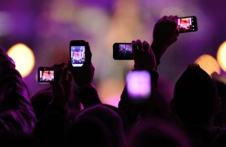 Apple registró patente para bloquear la toma de fotos y videos en conciertos