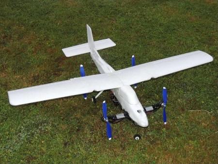 Innovador mexicano en pos de crear un dron autónomo con características de helicóptero y avión