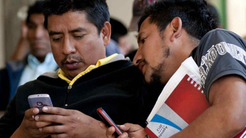 Nueve de cada 10 mexicanos cuentan con un teléfono móvil - mexico-celular_137943077067_4-800x451