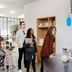Conoce las nuevas oficinas de Instagram celebrando sus 6 años - oficinas-instagram-blue-bottle_4