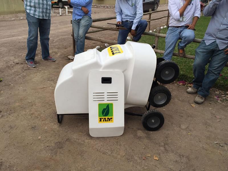 Jóvenes ingenieros diseñan innovador robot fumigador para agricultura protegida - robot-fumigador-agricultura