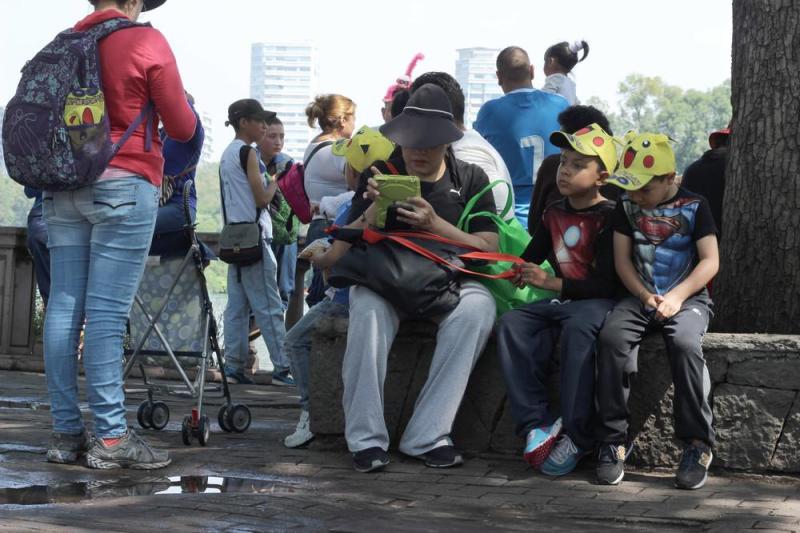 MORENA propone Pokemon GO para conocer patrimonio cultural - caminata-pokemon-en-el-bosque-de-chapultepec-201-1471810015-size_1000-1-800x533