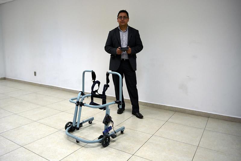 Mexicanos innovan andadera motorizada para asistir a niños con discapacidad motriz - andadera-motorizada