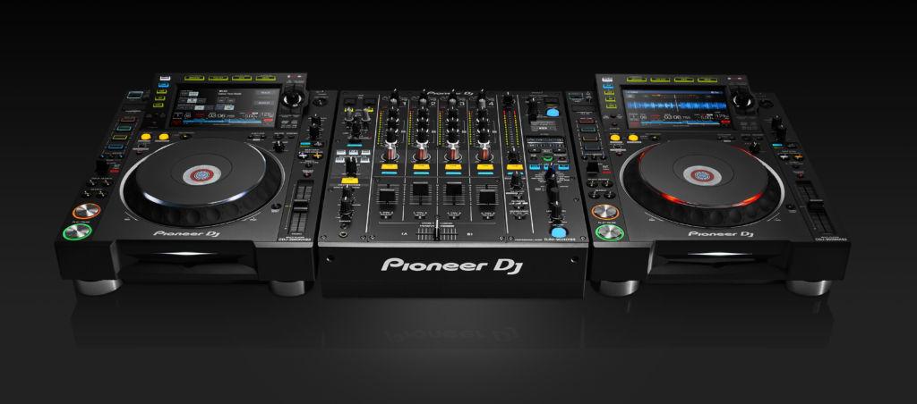 Línea NXS2 para DJ´s compatible con Serato DJ - pdj_cdj-2000nxs2_djm-900nxs2_configuration_black_bg_hr