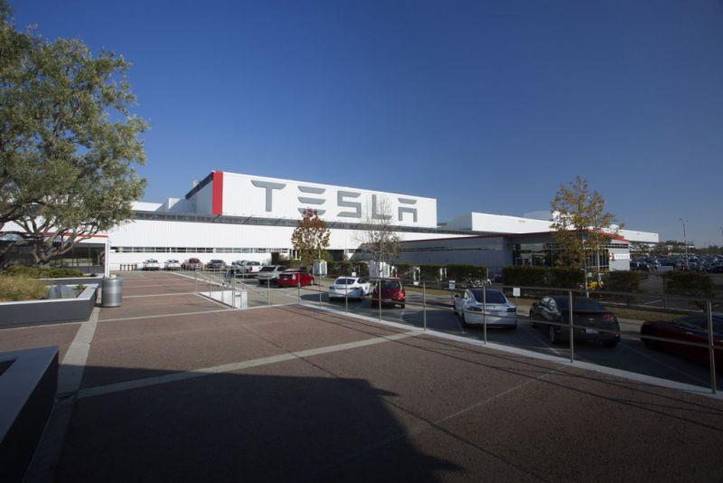 Panasonic y Tesla producirán celdas y paneles solares