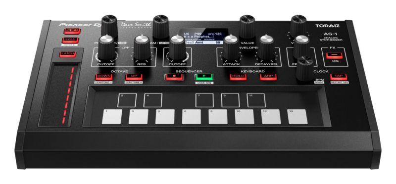 Pioneer DJ lanza nuevo sintetizador monofónico: TORAIZ AS-1 - monosynth_frontangle_b_low_0105-800x372