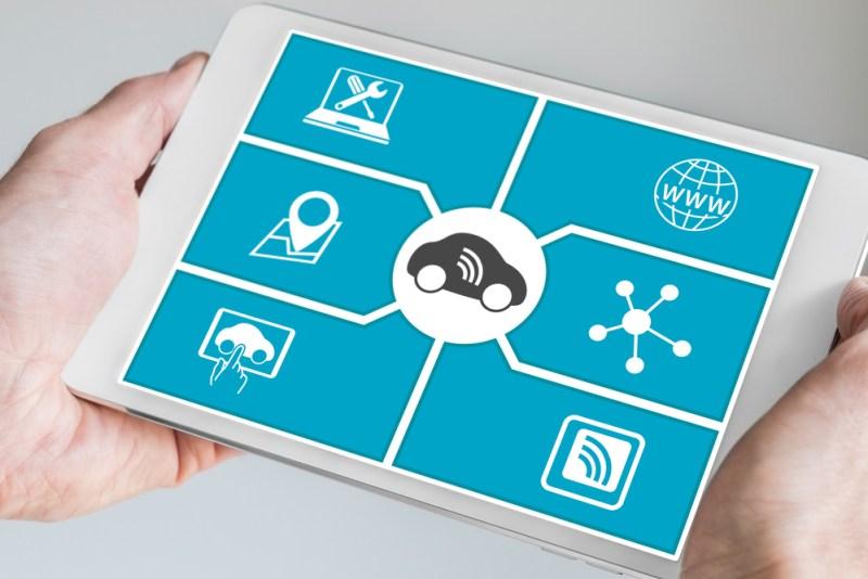 Automóviles conectados: ¿Quién controla su auto sin que usted lo sepa? - autos-conectados-800x534