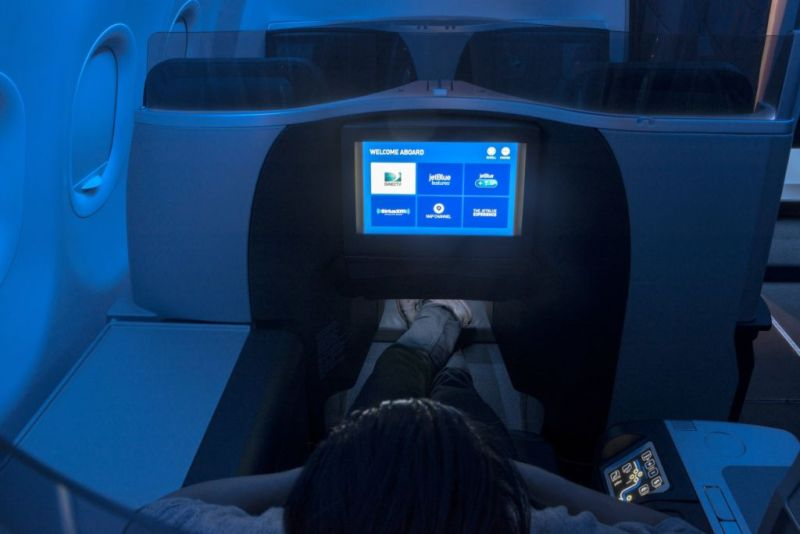 JetBlue, la aerolínea que te ofrece una experiencia diferente a bordo - jetblue_4-800x534