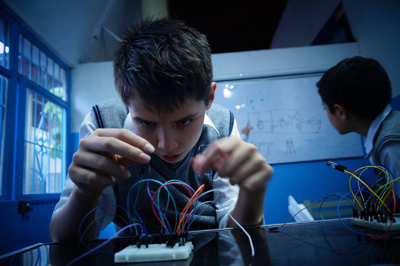 Crean método que enseña robótica a niños con contenidos universitarios - robotica-ninos