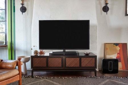 Sonos presenta sistema inalámbrico de sonido multi-habitación: PLAYBASE - sonos_home_playbase_04