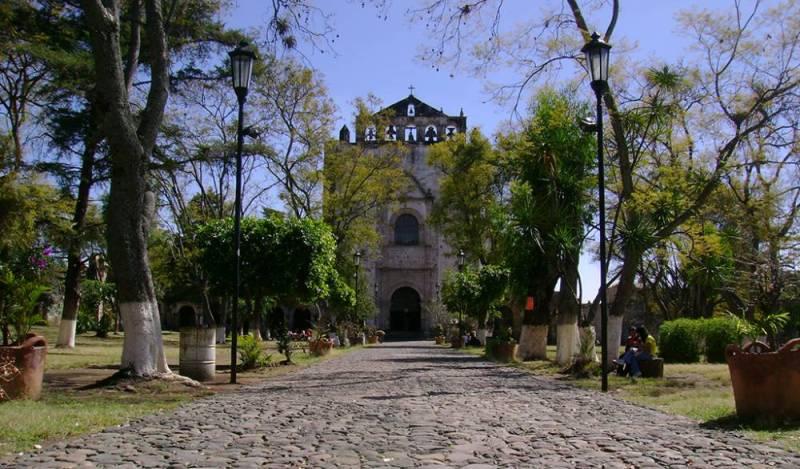 7 tlayacapan 800x469 10 Pueblos Mágicos para visitar en Semana Santa (a menos de 3 horas de la CDMX)
