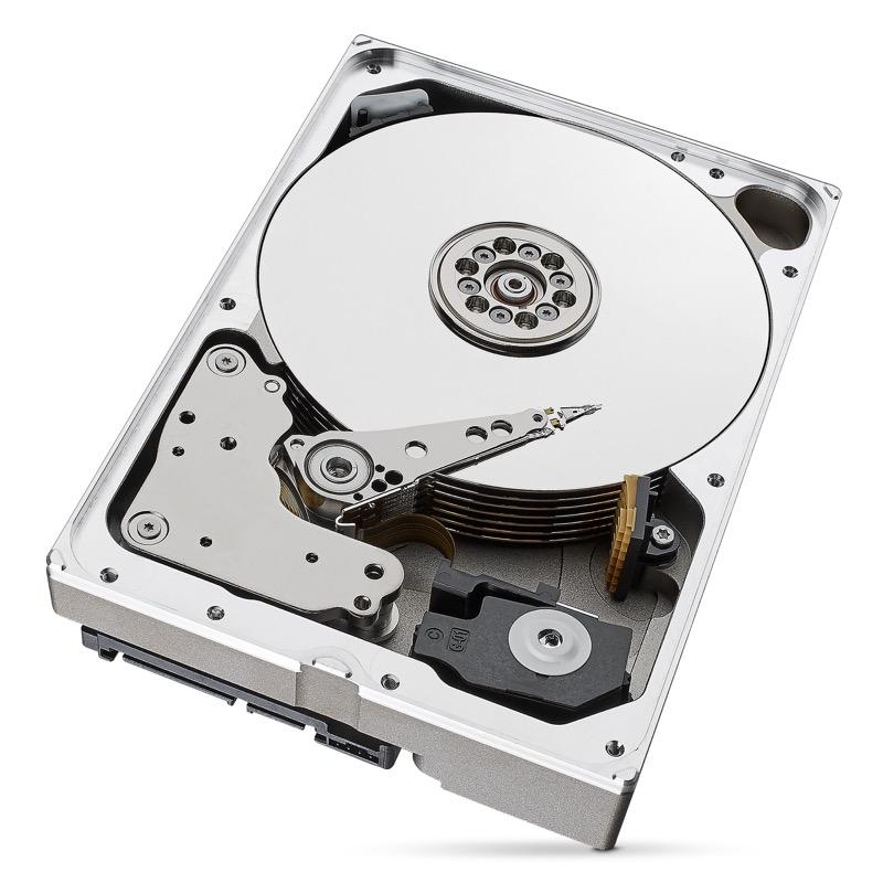 BarraCuda Pro, el primer disco HDD doméstico de hasta 10 TB creado por Seagate - barracuda-pro_t_10tb_open-1