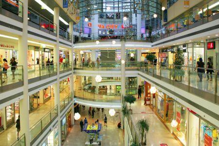 ¿Cómo impacta la construcción de un centro comercial al precio de tu casa?