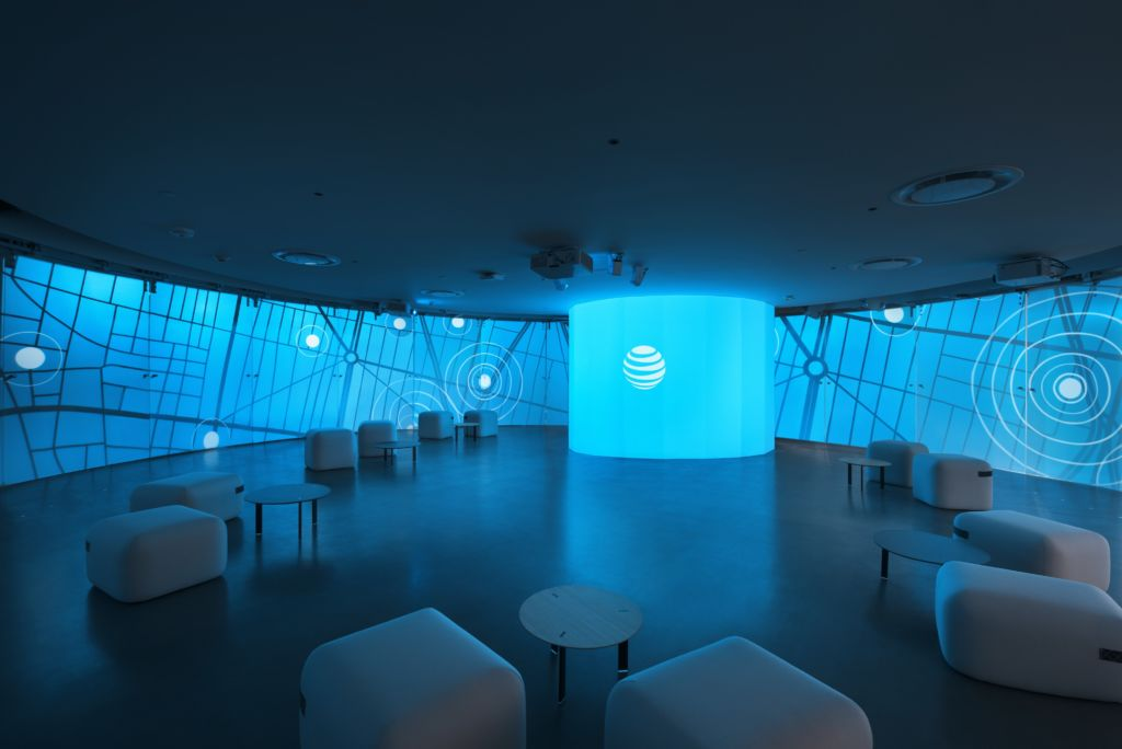 AT&T inaugura su primer Centro de Experiencia Empresarial en América Latina - cxe-02