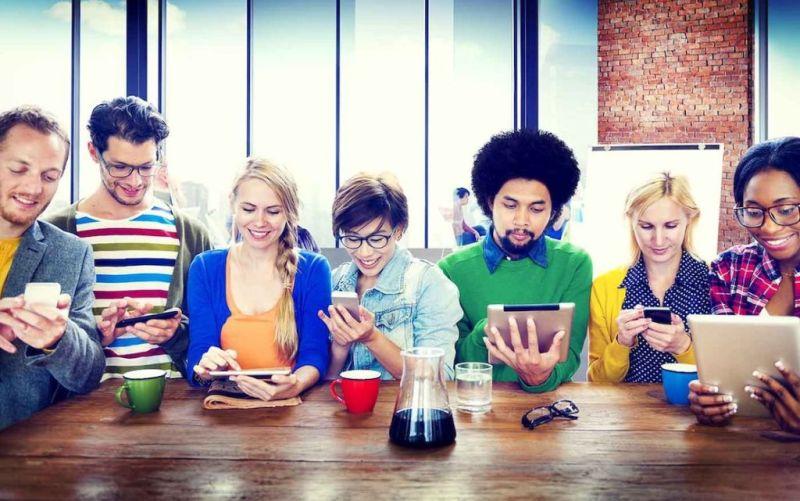 dia del internet las redes sociales 800x501 Día del internet: Las redes sociales son el centro de la conversación en línea