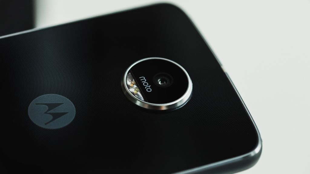 Moto Z2 Play: todas sus características reveladas - moto-z2-play-leaks