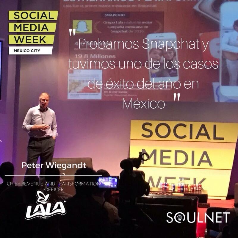 Los ponencias más relevantes del 2o día de Social Media Week México - eter-wiegandt-de-grupo-lala-hablando-de-la-respuesta-que-tienen-en-redes-sociales