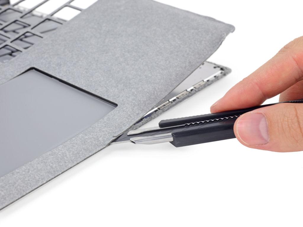 La Microsoft Surface Laptop es calificada de irreparable - ifixit-surface-lap-alcantara