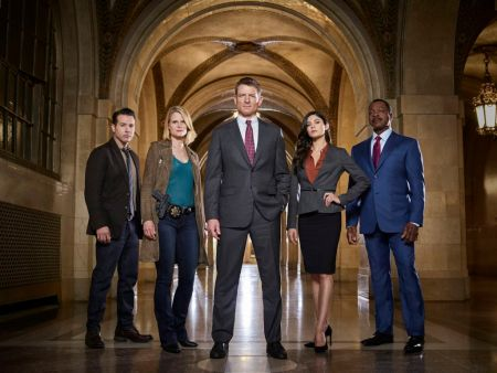 "Final de temporada de ""Chicago Justice"" por Universal Channel"