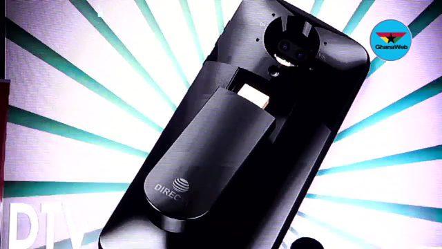Los próximos Moto Mods de Motorola se centrarán en el entretenimiento - moto-directtv-mod