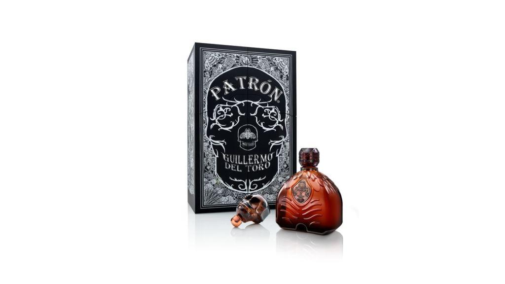Guillermo del Toro crea una botella de Tequila de edición especial - patron-x-guillermo-del-toro-2