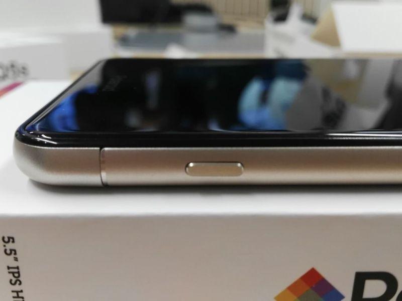 Polaroid Cosmo Q5s : características y precio - polaroid-cosmo-q5s-smartphone_3-800x600