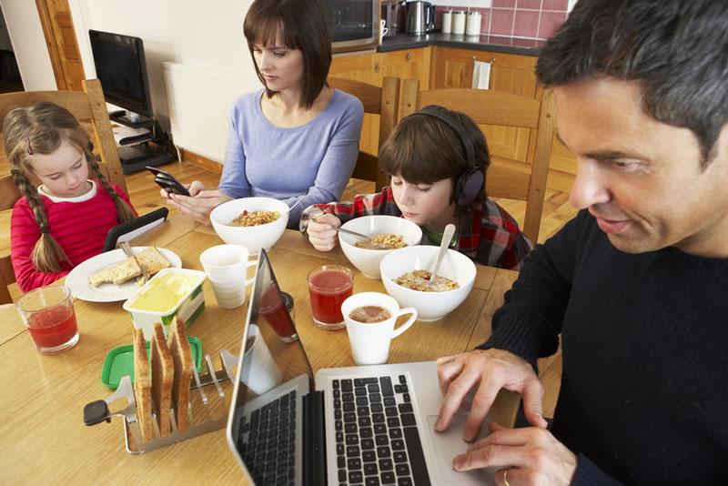 Niños y adultos deben tener vacaciones de internet; te decimos cómo - tomar-vacaciones-de-internet