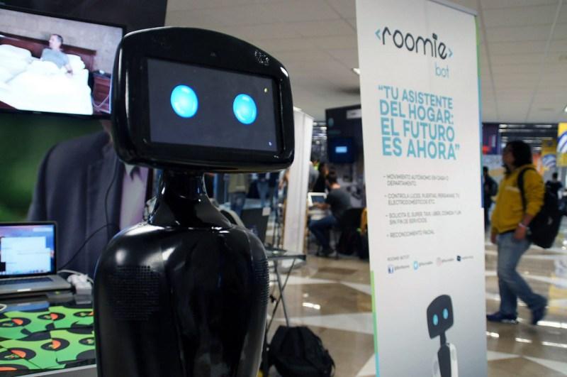 RoomieBot: crean el primer robot mexicano asistente en el hogar - roomiebot-800x531
