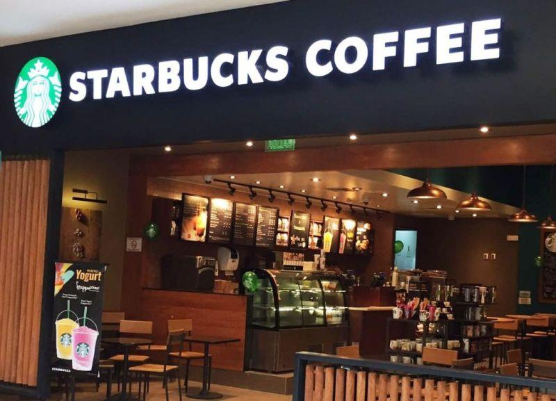Starbucks convierte sus tiendas centros de acopio - starbucks-tienda-800x577