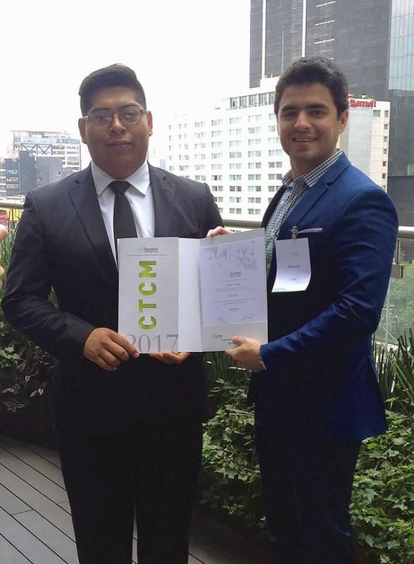 Crean emprendedores mexicanos carcasa que usa movimiento de tu cuerpo para cargar la batería del celular - emprendedores-mexicanos-carcasa-que-usa-movimiento-de-tu-cuerpo_1-588x800