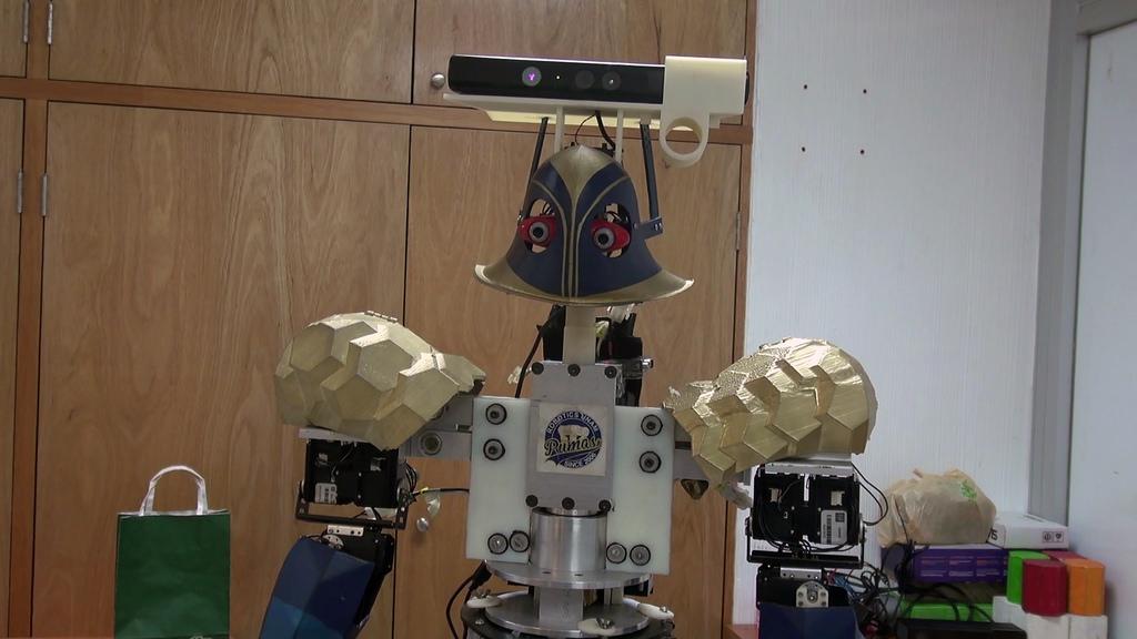 justina robot que recibe y ejecuta ordenes Universitarios crean a Justina: robot que recibe y ejecuta órdenes
