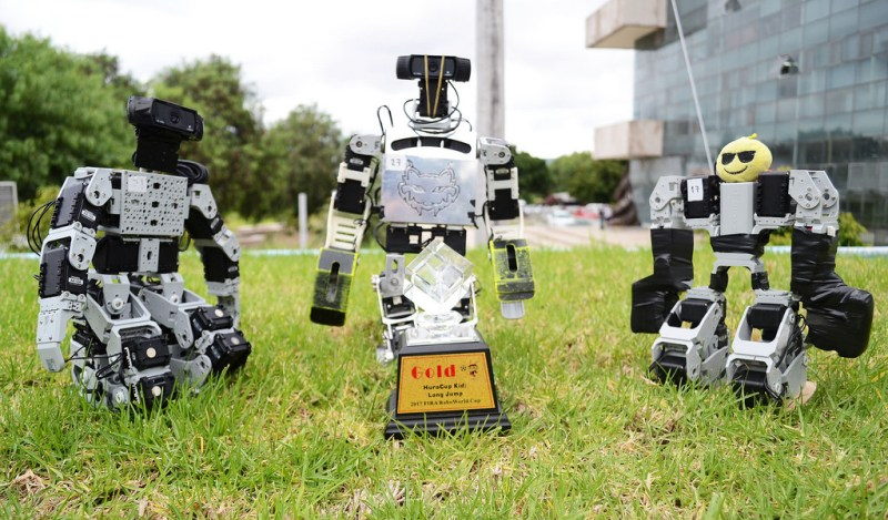 Impone robot mexicano record de salto en competencia internacional - robot-mexicano-record-de-salto-en-competencia-internacional-800x469