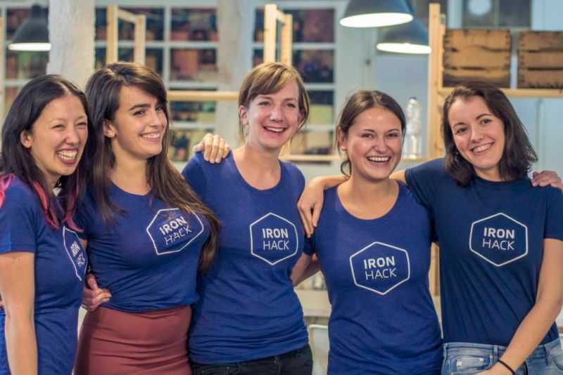 Ironhack, escuela de tecnología que impulsa el talento de las mujeres mexicanas - ironhack-78-800x534