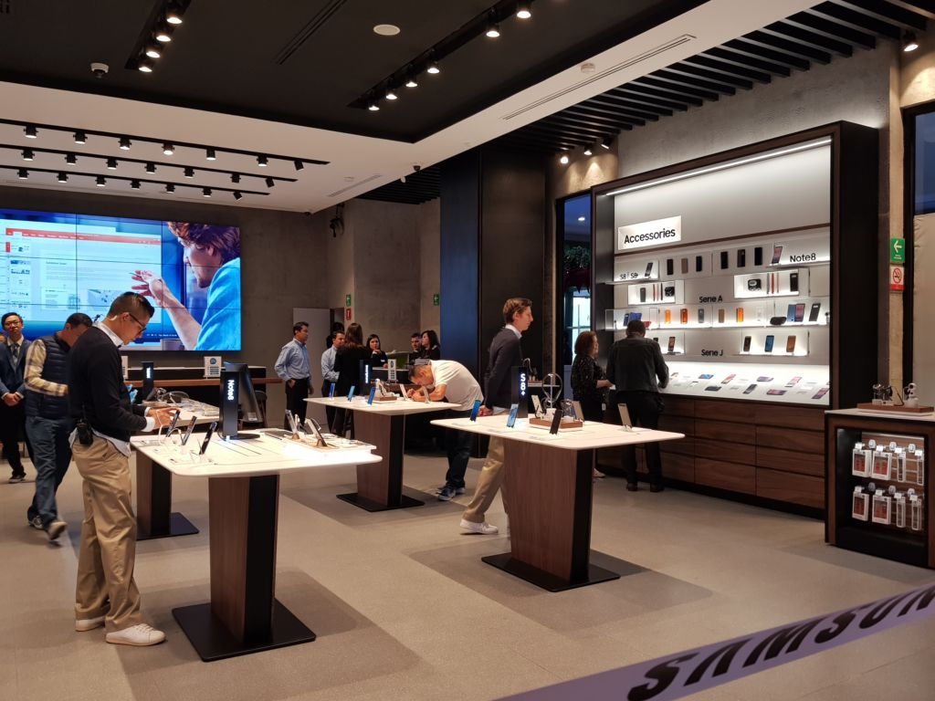 Samsung inaugura su primera tienda Experience store en México - samsung-experience-store_1