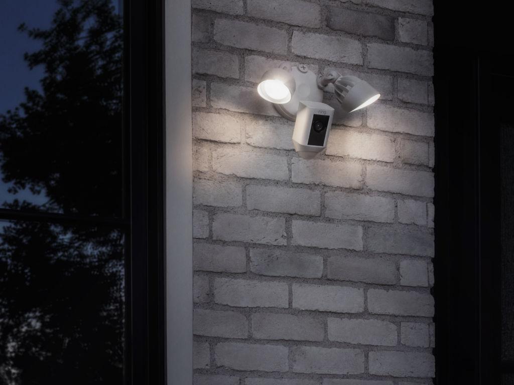Floodlight Cam de Ring ¡Ya disponible en México! - ring-floodlight-cam